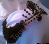 Black Swan w/Feathers